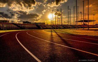 Bieżnia Arena o zachodzie słońca